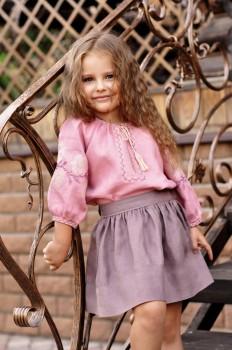 Нарядная детская блуза из натуральной ткани с вышивкой