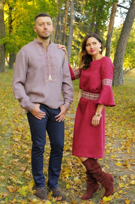 Мужская рубашка с вышивкой нежного цвета какао и привлекательное платье с вышитым поясом