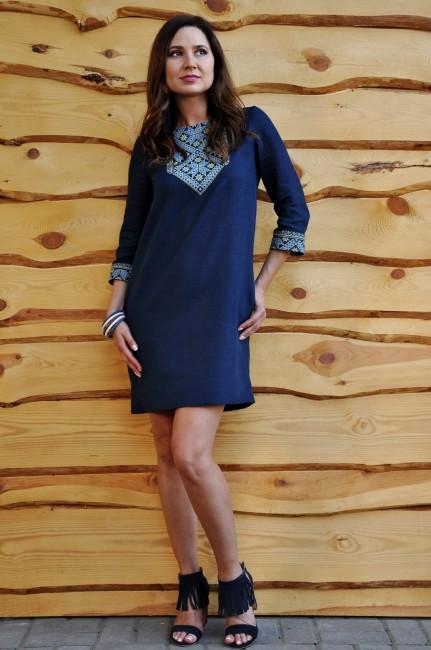 Платье с вышивкой из синего льна