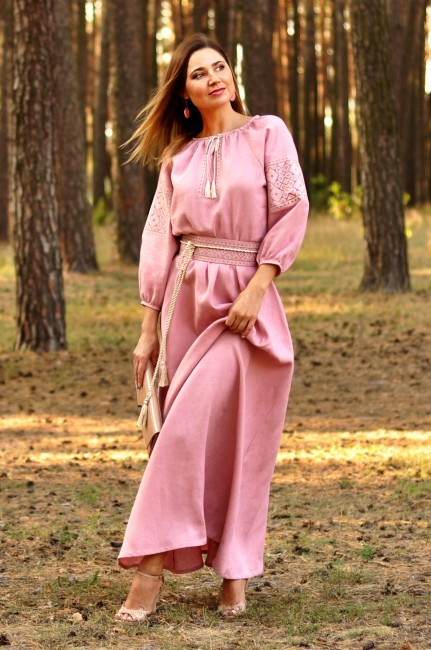 Сказочно красивое платье пудрово-розового оттенка