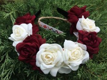 Ободок «Белые и бордовые розы»