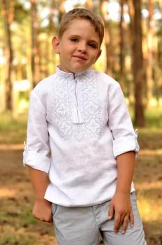 """Вишиванка дитяча для хлопчика з натурального льону вишита """"білим по білому"""""""