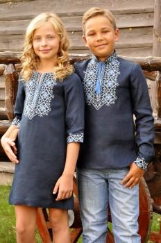 Вышитый комплект для детей - вышиванка для мальчика и платье для девочки с выразительным орнаментом
