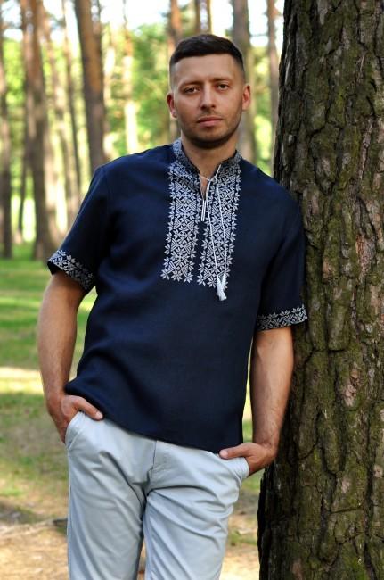 Вышитая мужская рубашка с коротким рукавом из синего льна