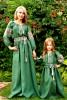 Семейный комплект одежды из натурального льна с вышивкой в едином стиле