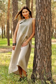 Женское платье-оберег из натурального льна