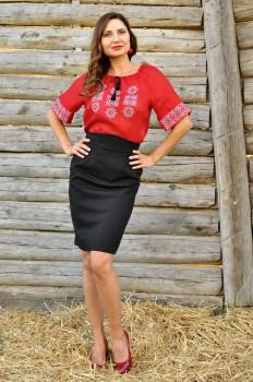 Вышитая женская блуза с коротким рукавом из тонкого льна