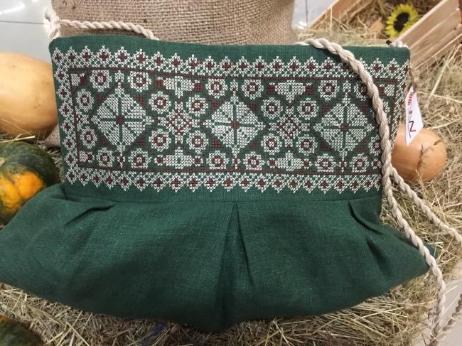 Вишита сумочка з льону