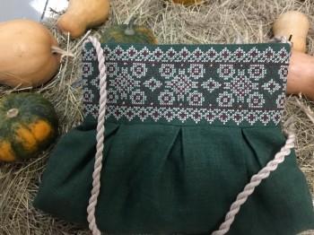 Вишита сумочка для дівчинки