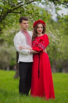 Роскошный комплект - мужская рубашка оберег и вечернее платье с богатой вышивкой